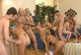 Orgie sexuala cu pornostaruri