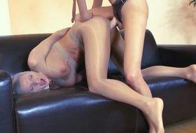 Pornofetish cu doua lesbiene futacioase